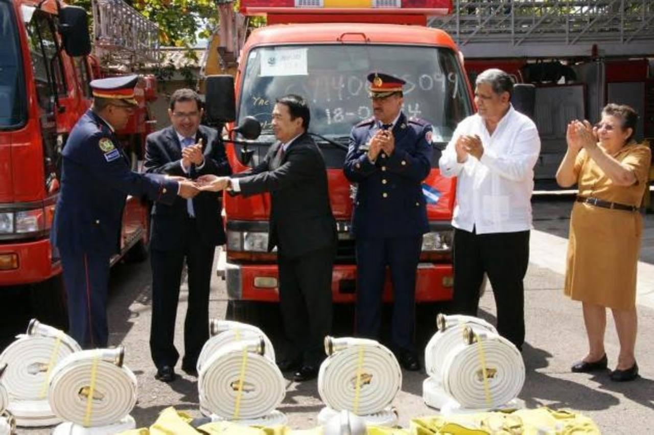 La institución cuenta con dos nuevos equipos, con los cuales atenderá de forma más eficiente las emergencias; el equipo fue donado por Japón. Foto EDH / Cortesía.