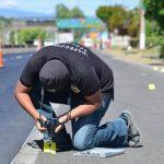 El domingo un camión que transportaba verduras fue atado a balazos en la carretera a Quezaltepeque. En el hecho hubo un muerto y dos lesionados. Foto/ César Avilés