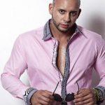El músico de origen cubano está promocionando un tema que seguramente será muy solicitado en el dial por su ritmo.