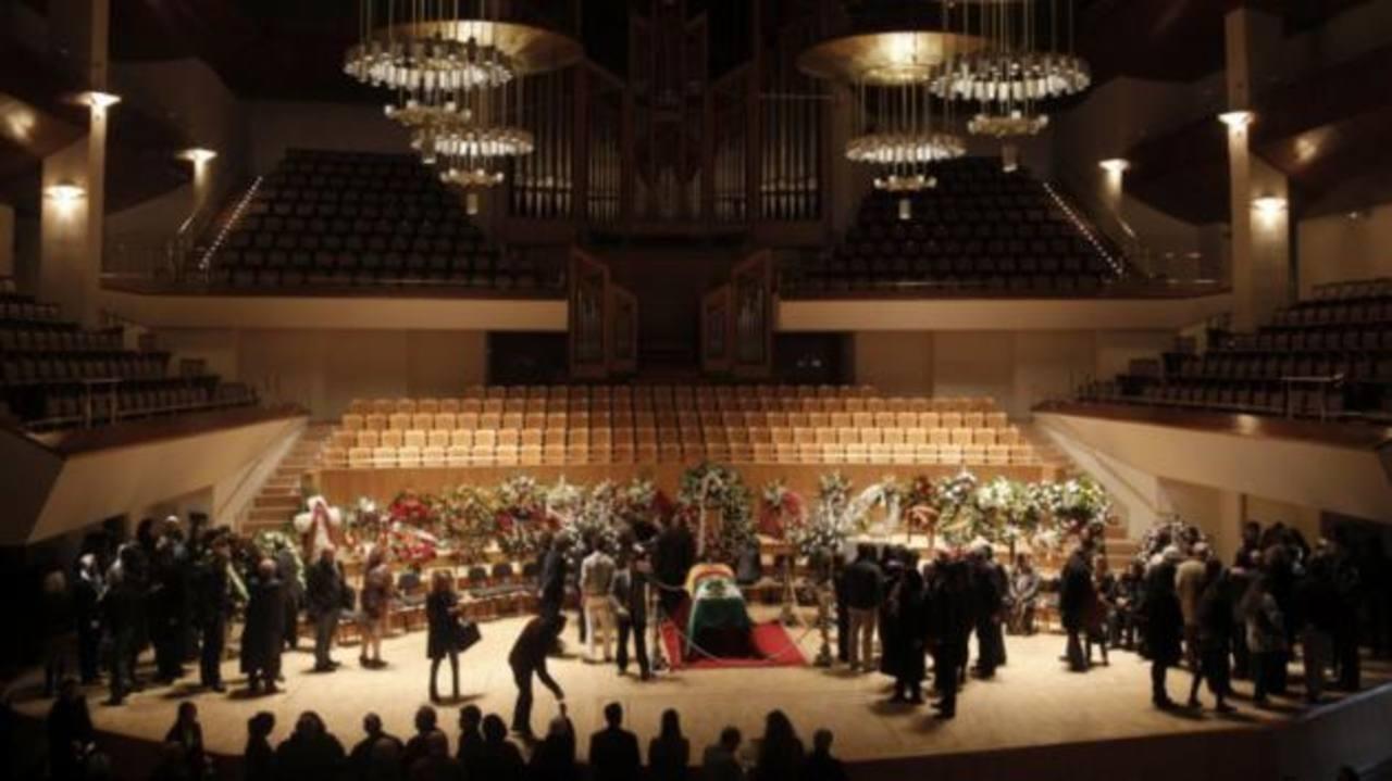 Familiares y amigos despidieron al guitarrista flamenco en el Auditorio Nacional de Música en Madrid. Foto EFE