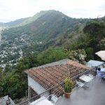 El Talapo Azul. Desde su terraza se aprecian el lago de Ilopango y San Salvador, mientras se degustan los suculentos platillos basados en la sazón criolla. Foto EDH/René Quintanilla