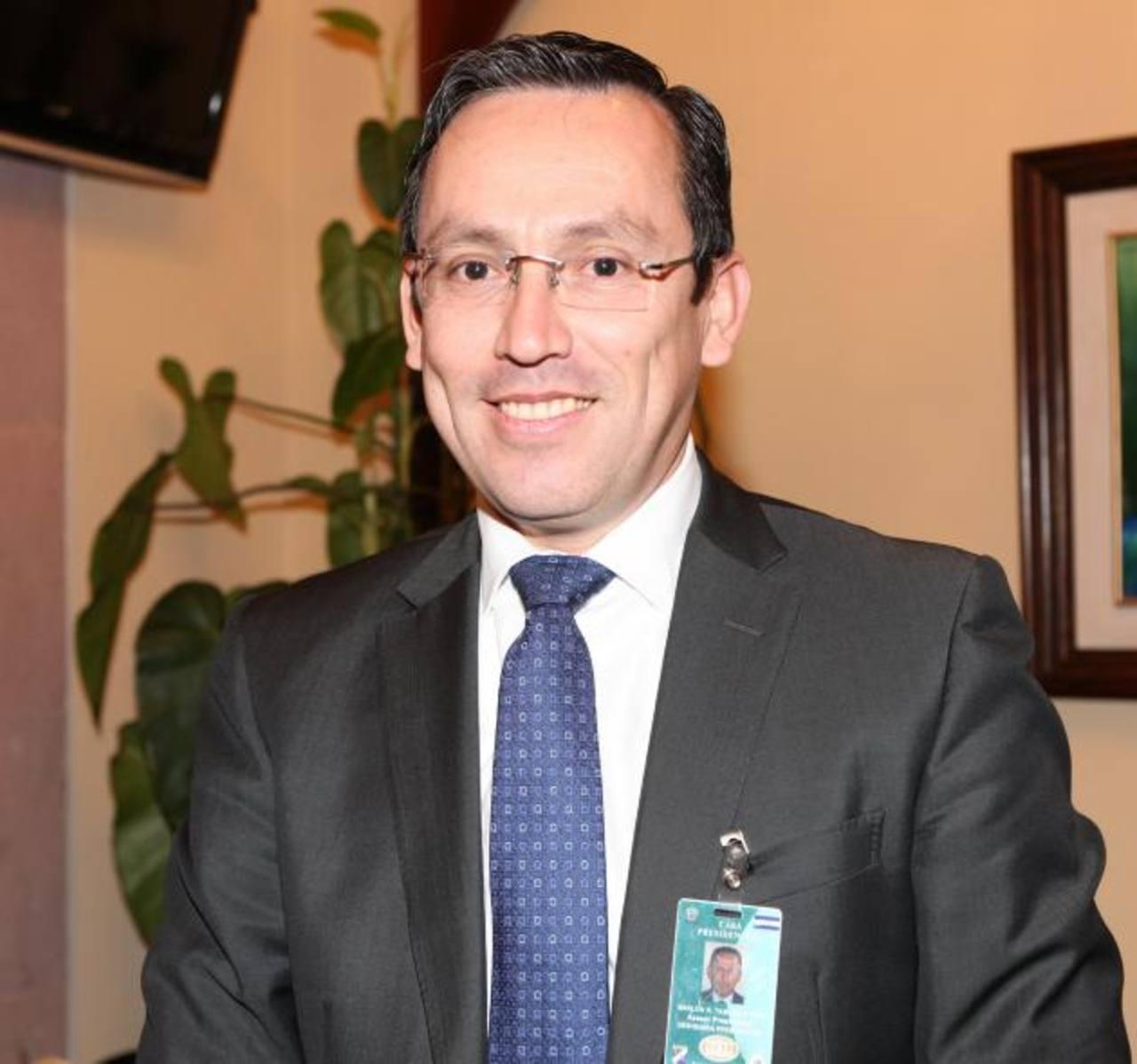 Marlon Tábora, presidente del BCH anunció la reducción de las tasas de interés en sus bonos soberanos. Foto EDH