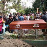 Sepultan restos de los hombres que asesinaron en Santa Ana