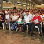La entrega de escrituras se oficializó en una actividad en el Centro de Ferias y Convenciones. foto edh / cortesía