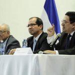 Los magistrados Belarmino Jaime, Sidney Blanco y Rodolfo González firmaron la sentencia de amparo. También firmó el magistrado Eliseo Ortiz, quien no aparece en foto. Foto EDH / Archivo