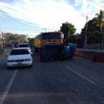 Este accidente ocurrió hoy en la Troncal del Norte. FOTO EDH Cortesía Comandos de Salvamento, seccional de Apopa.