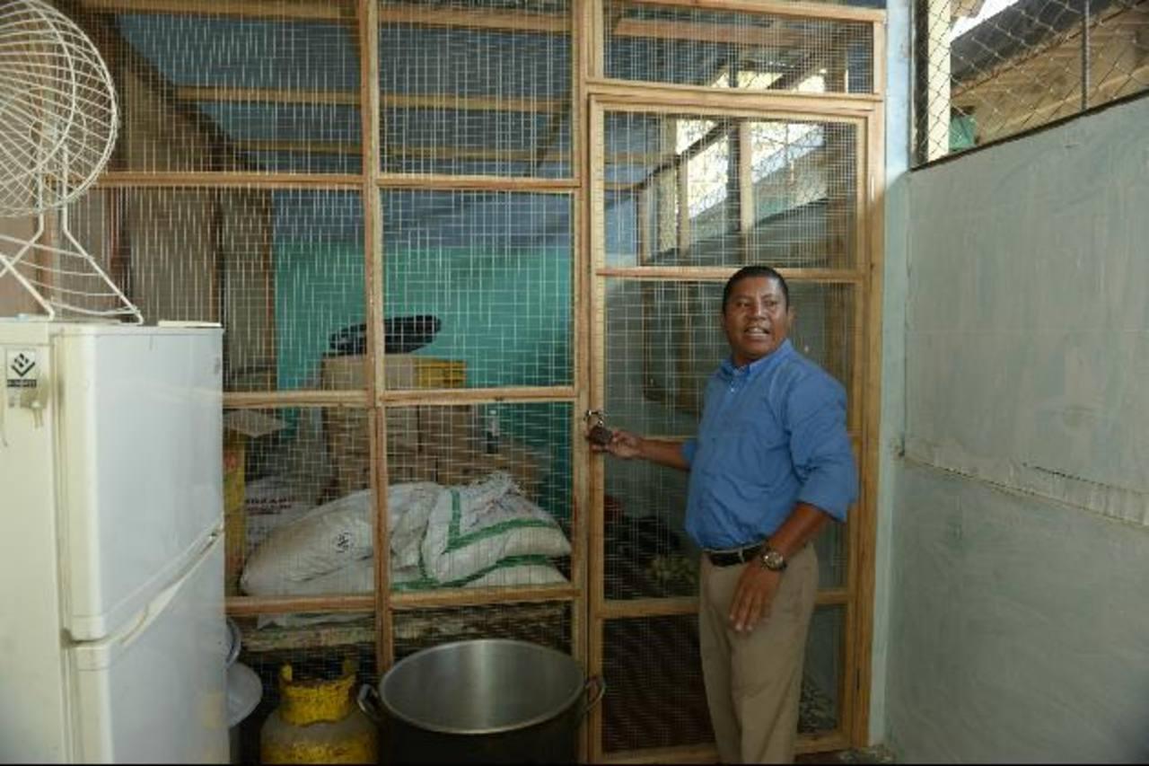 En el centro escolar Montecarmelo construyeron una bodega para evitar que las ratas dañen los alimentos. En el centro escolar Montecarmelo construyeron una bodega para evitar que las ratas dañen los alimentos.