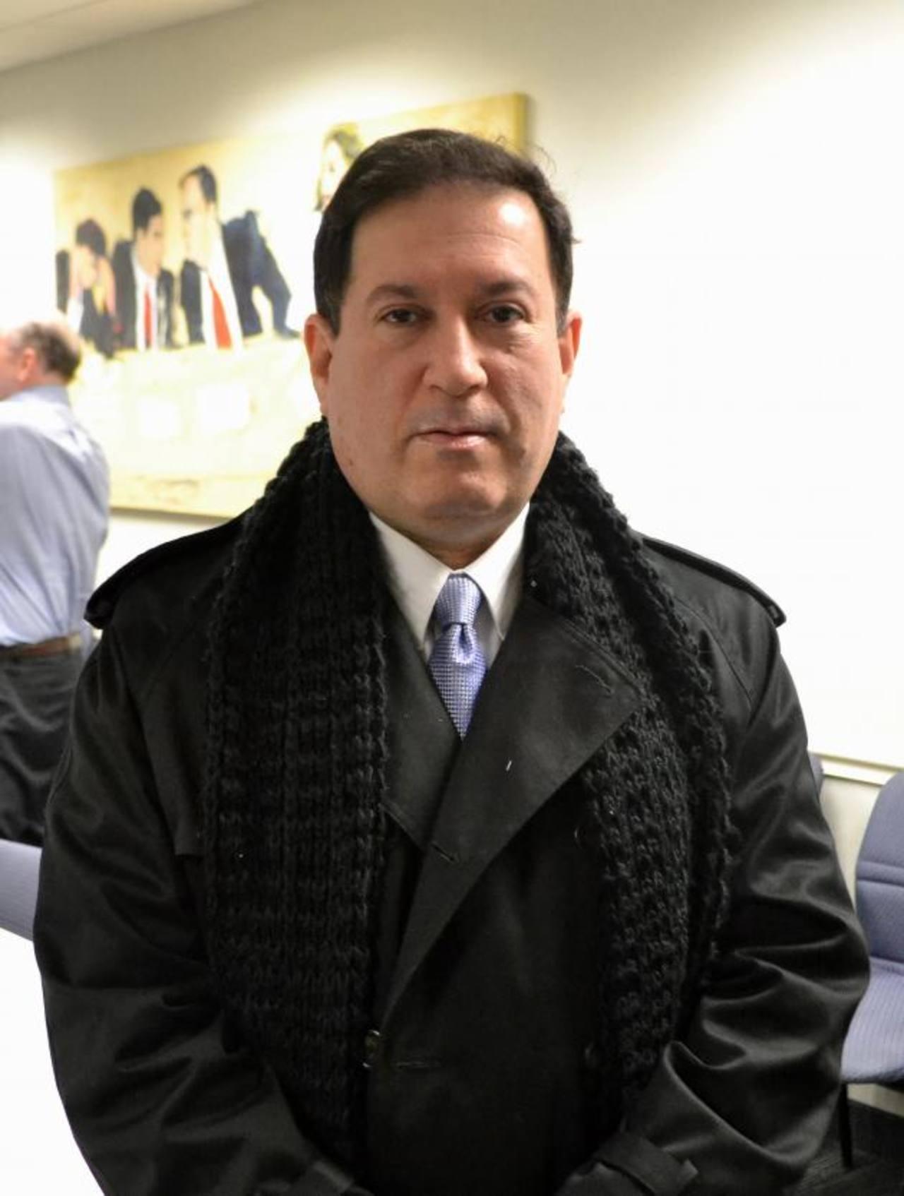 Carlos Acevedo, asesor del director ejecutivo del Fondo Monetario Internacional, detalló que un eventual gobierno del FMLN atraería menos inversiones privadas. foto edh / Tomás Guevara