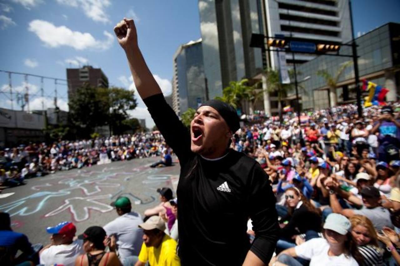 Oposición venezolana llama a marchar el sábado, suman 6 muertos