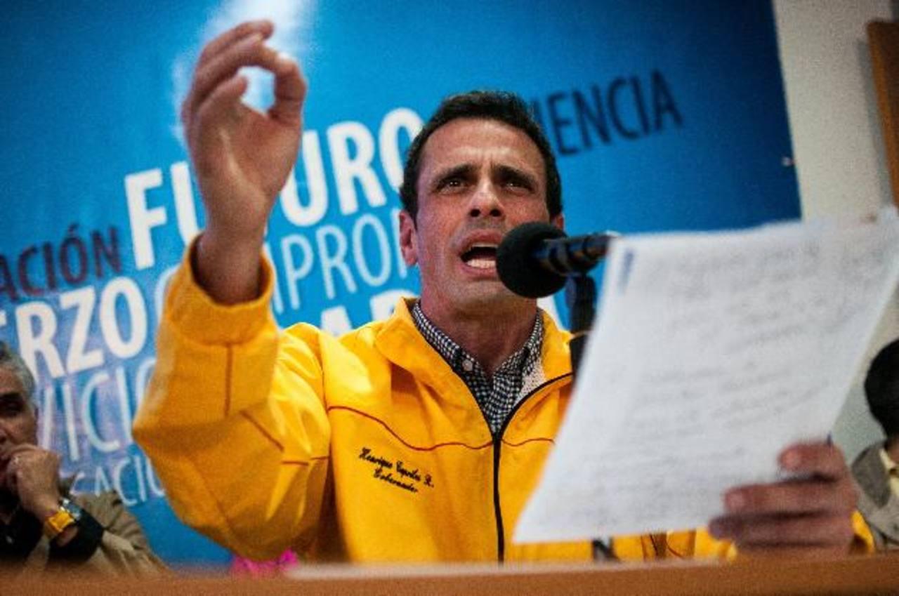 Líder opositor, Henrique Capriles, en un discurso en Venezuela