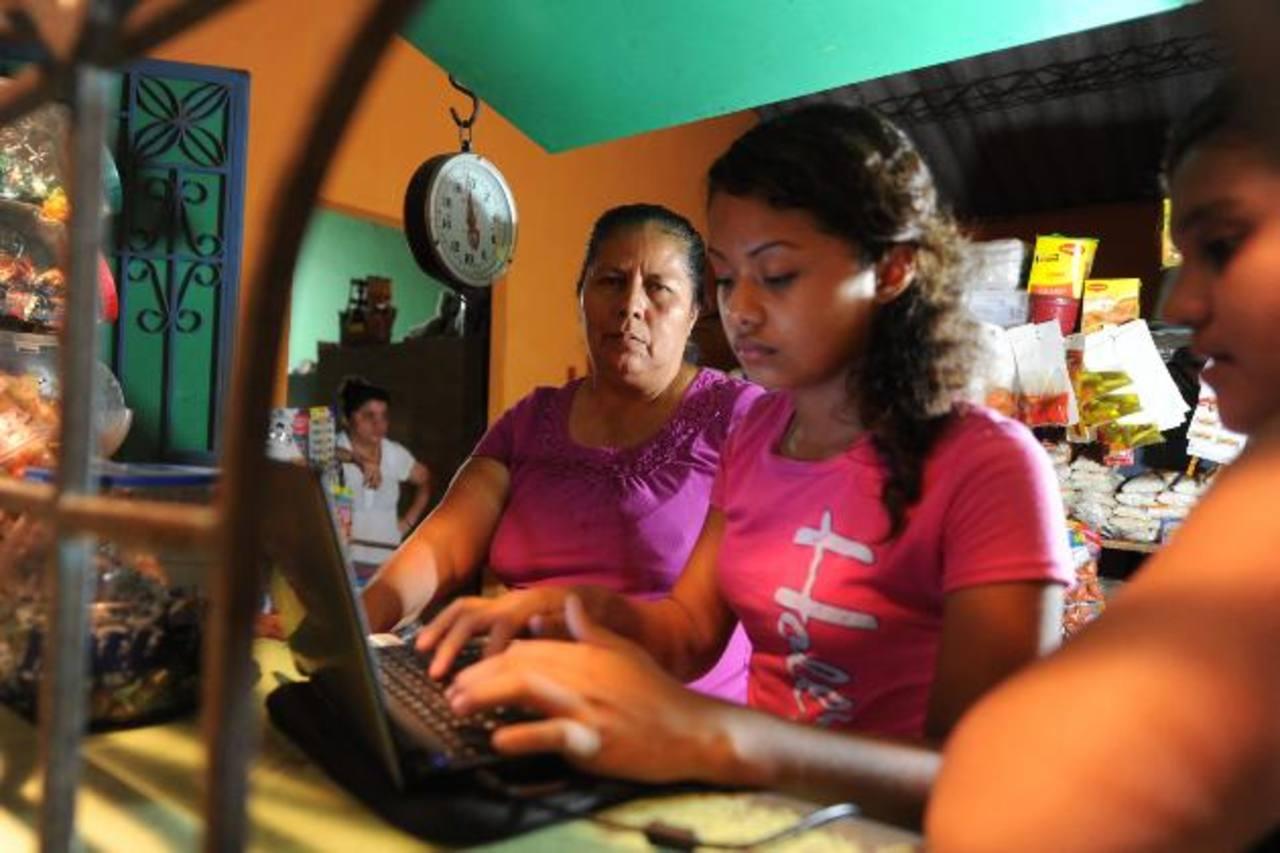 Familiares de José Salvador Alvarenga se enteraron de la noticia de que estaba con vida a través de medios de comunicación digitales.
