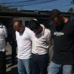 Estas son las personas detenidas por la DAN. FOTO EDH Claudia Castillo, vía Twitter.