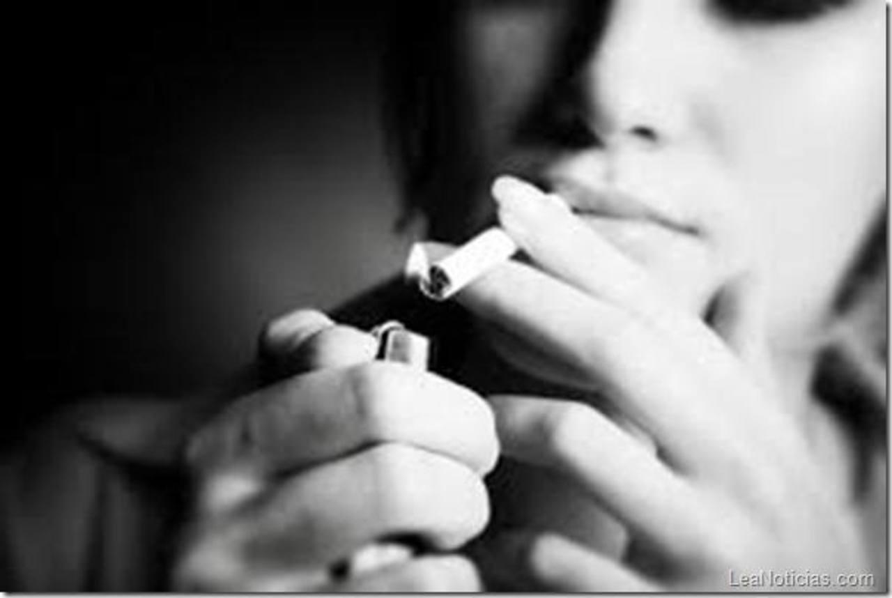 La migraña, tomar anticonceptivos y fumar eleva aún más el riesgo de una apoplejía. foto EDH