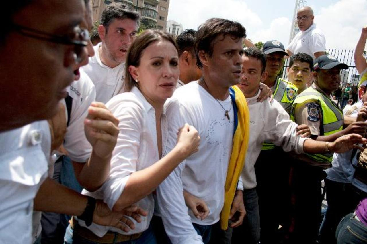 Leopoldo López el pasado 18 de febrero antes de entregarse a las autoridades. foto edh/archivo