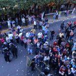 Fue necesaria la intervención de la UMO para calmar los ánimos de los inconformes. Foto EDH / Éricka Chávez