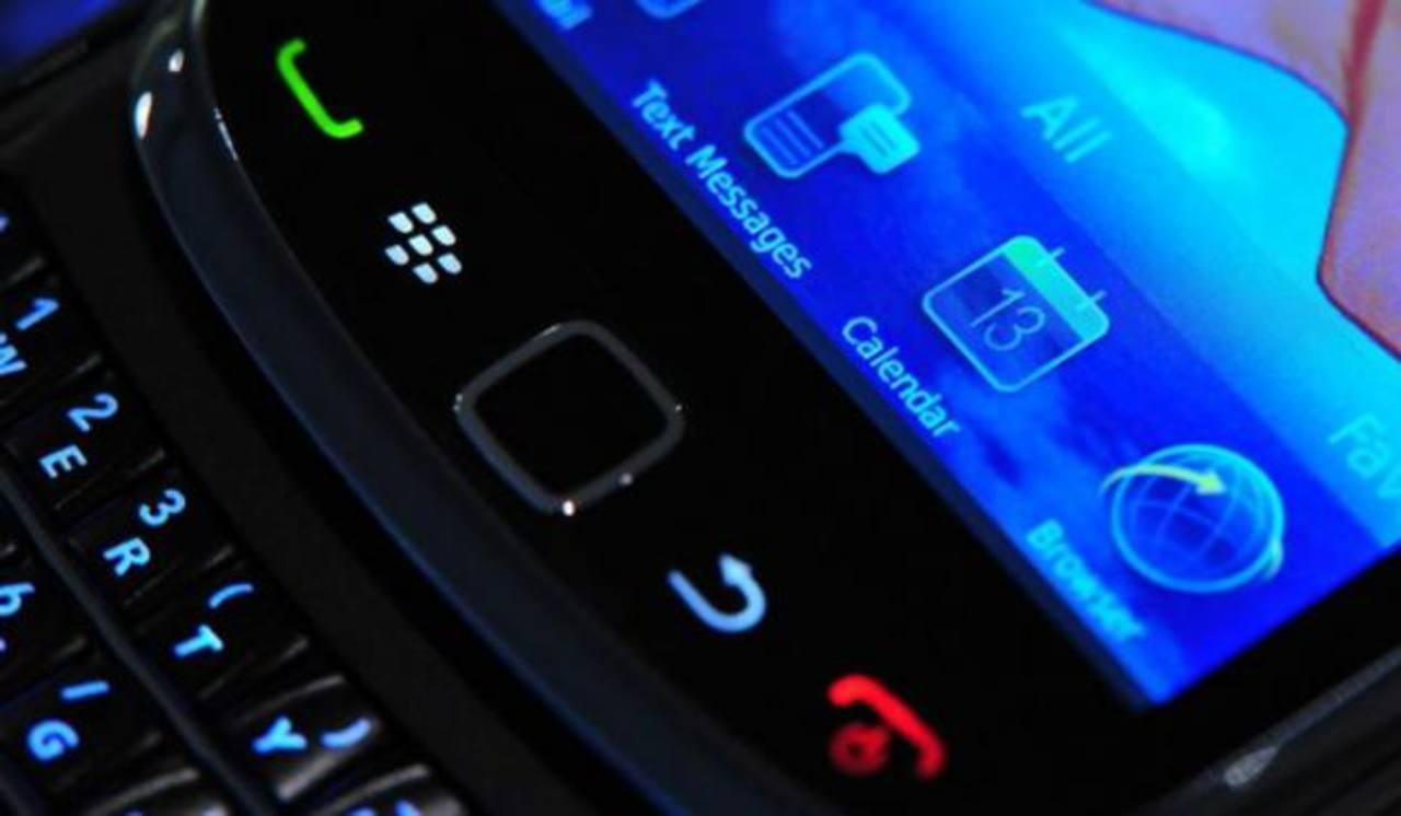 BBM competirá con servicios de mensajería como WhatsApp.