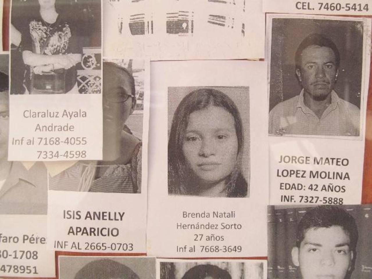 Las fotografías de mujeres son pocas en comparación con la cantidad de hombres desaparecidos.