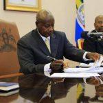 """El presidente de Uganda, Yoweri Museveni firmó este día la ley """"anti-homosexualismo"""""""