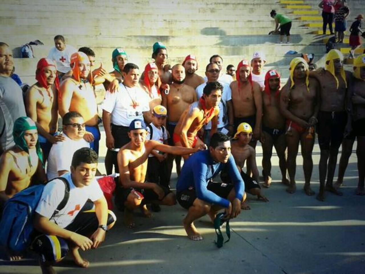 Estos son algunos de los participantes. FOTO EDH Cruz Roja Salvadoreña.