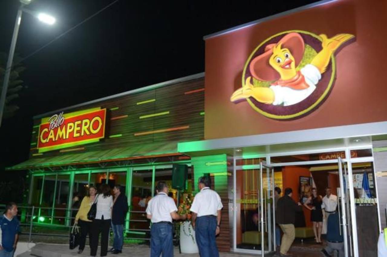 El nuevo restaurante está en la calle San Antonio Abad, frente al Centro Comercial San Luis. foto edh / David Rezzio