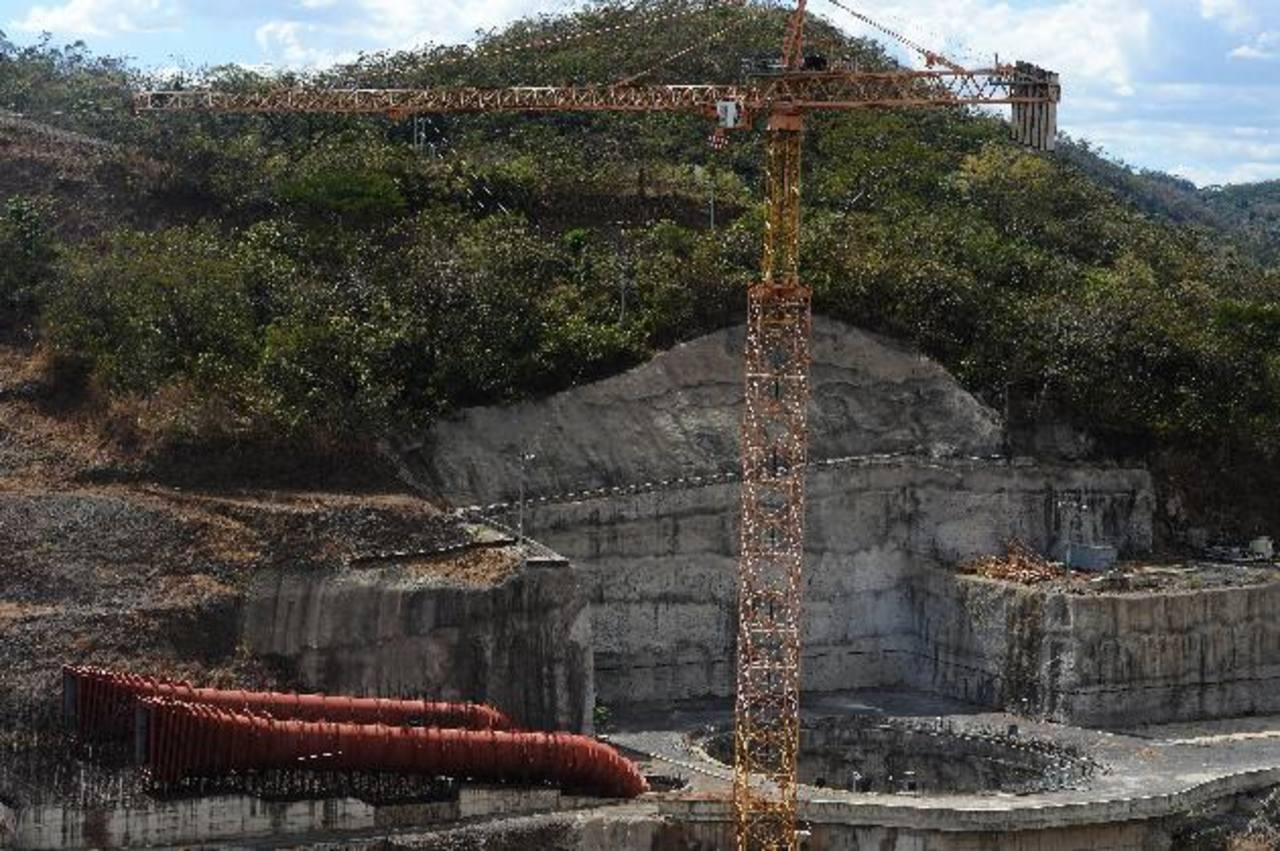 CEL recibió nuevo diseño pero el hoyo del Chaparral sigue desolado