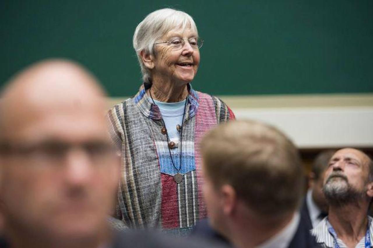 Condenan a prisión a monja de 84 años por asaltar estación nuclear