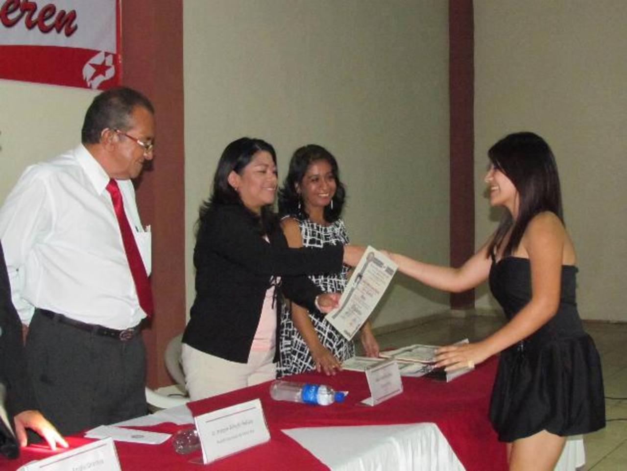 Con el proyecto se beneficia a la ciudadanía y permite la prevención de la violencia en los jóvenes. Fotos EDH / Mauricio Guevara