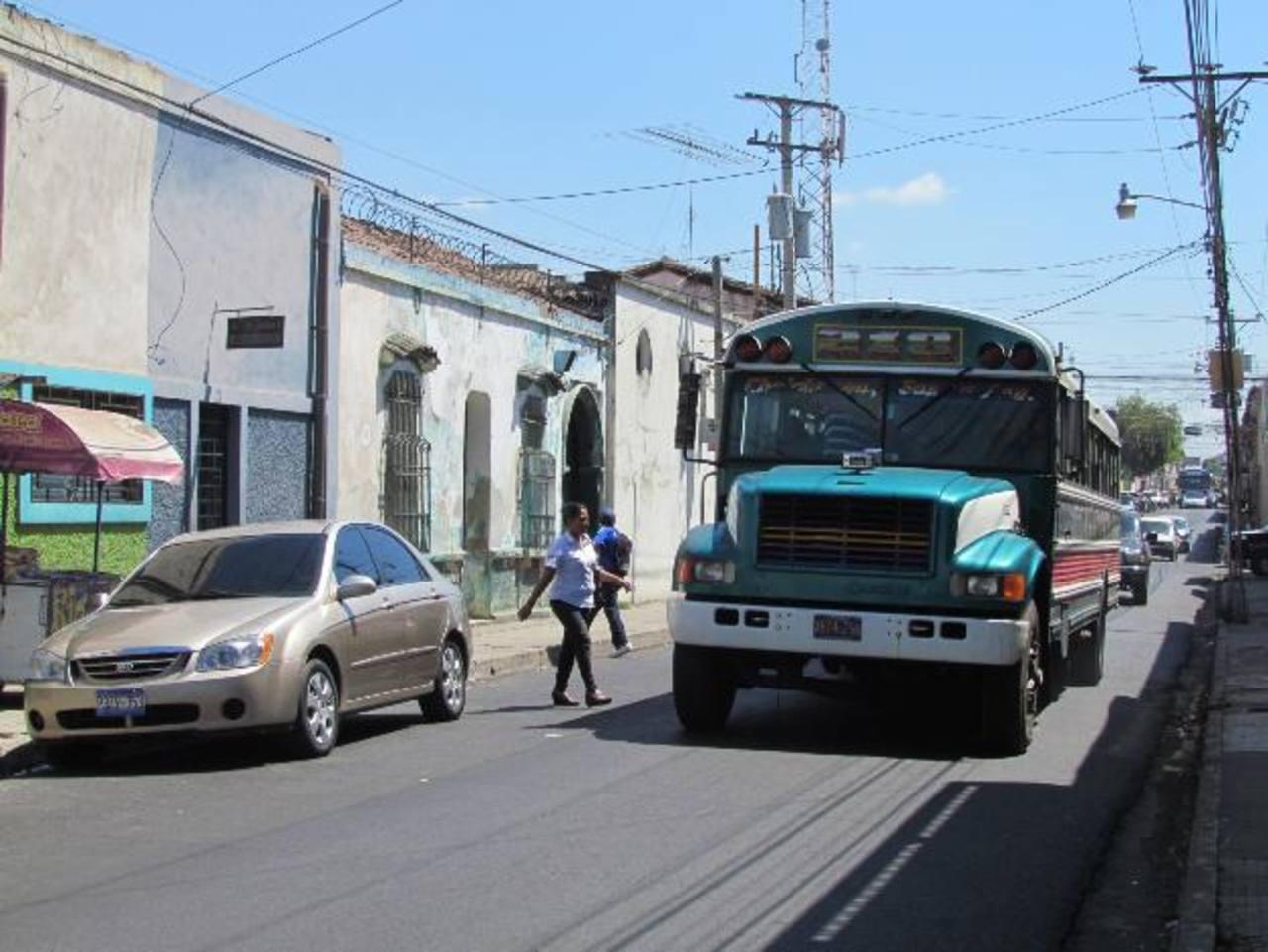 Edil dijo que en la parada de la ruta 218 hay poca afluencia de personas, por lo que retirarán la cámara. Foto edh / MAURICIO GUEVARA
