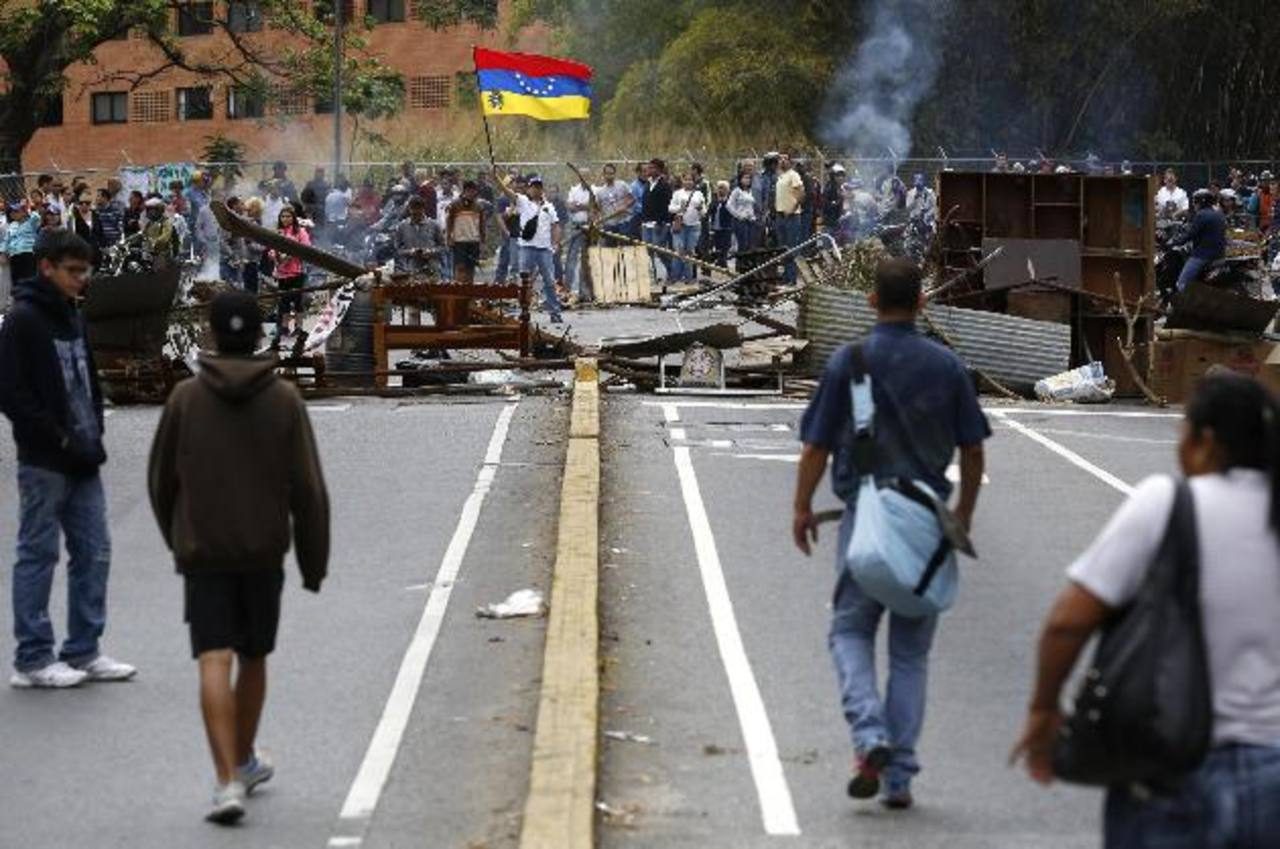 Desde la cárcel, líder opositor venezolano pide no rendirse mientras siguen las protestas