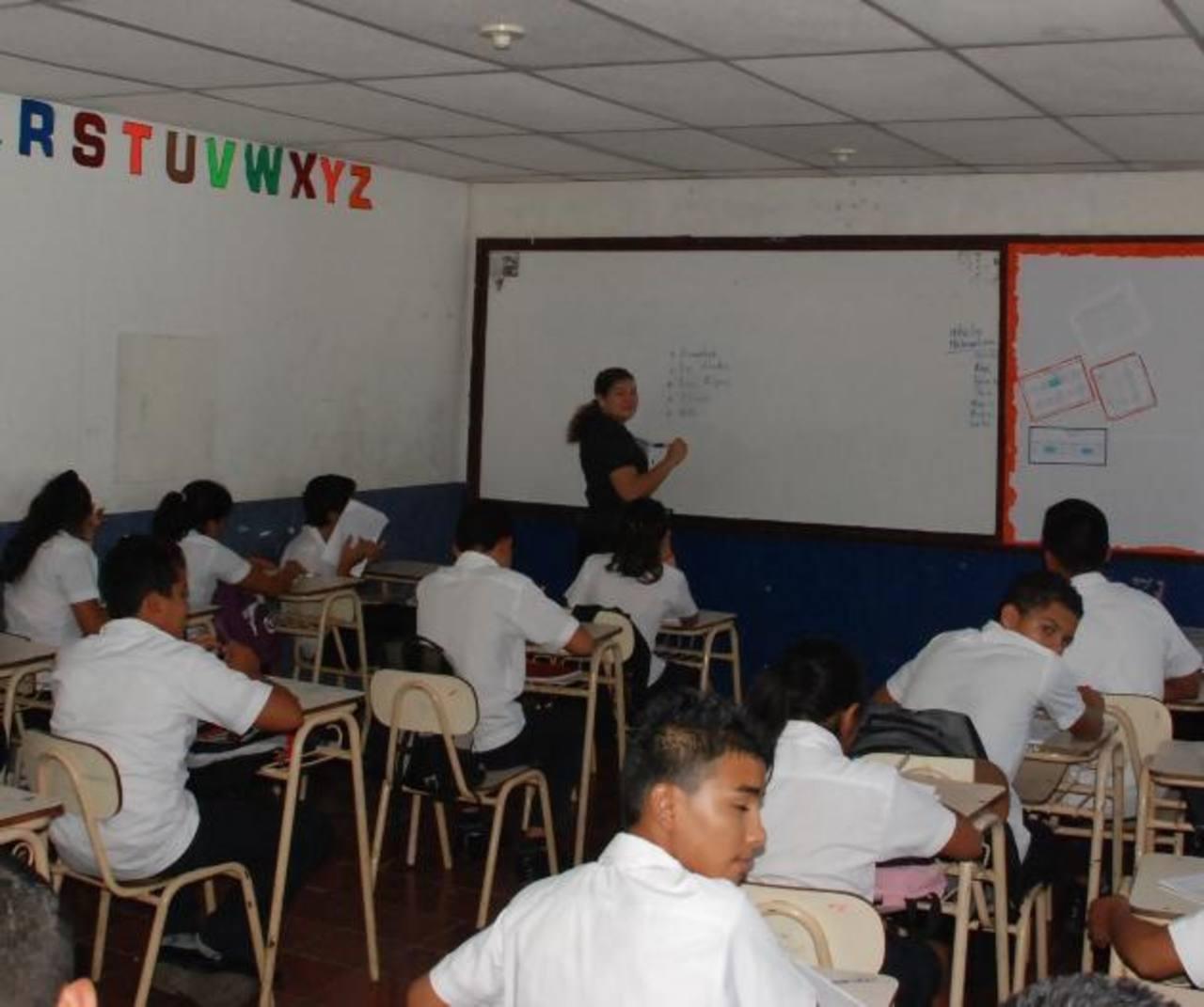 Las autoridades de varias escuelas del departamento de La Unión aseguran que aún están a la espera del bono escolar que Mined debió darles en enero y febrero. foto EDH / insy mendoza