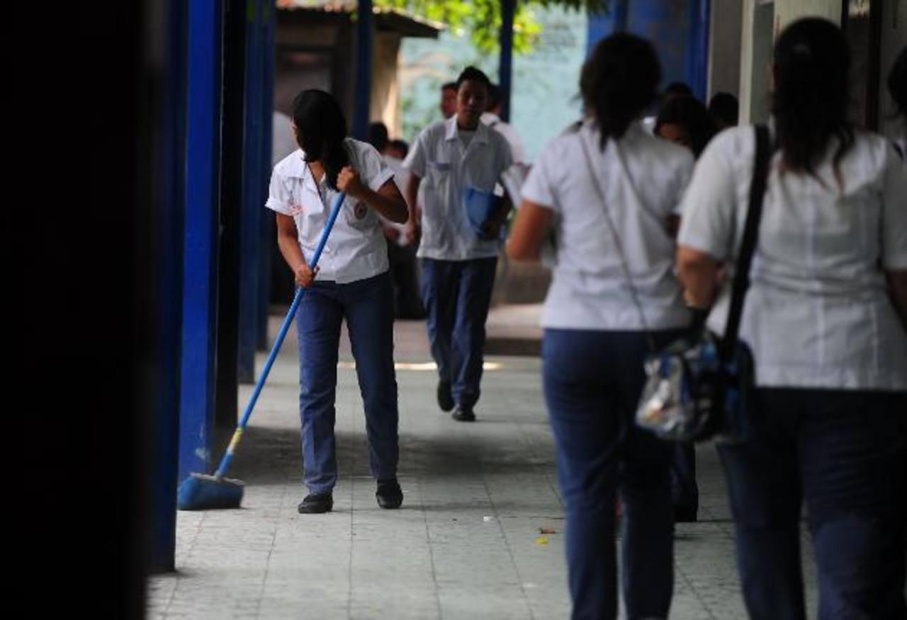 El Salvador recibe crédito de $20,55 millones para educación