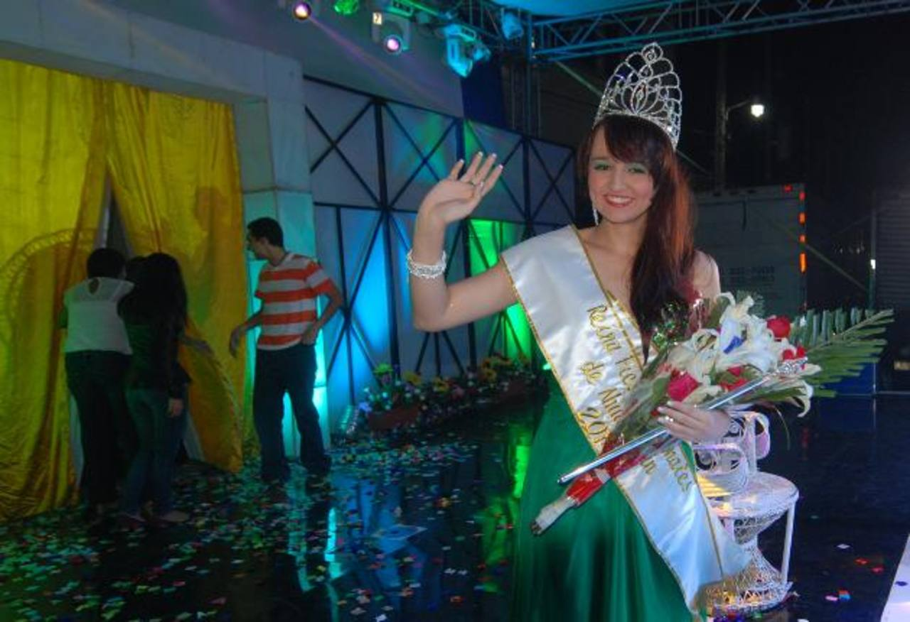 Kimberly Soderman es la reina de las fiestas patronales de Ahuachapán desde el sábado. foto EDH / CRISTIAN DÍAZ