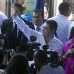 El gobernante de Honduras Juan Orlando Hernández, proyecta trabajar fuerte en la reconversión de la deuda interna de su país, a lo largo de su periodo de mandato. Foto EDH