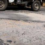 Los vehículos sufren daños al circular en esas vías.El deterioro en las calles céntricas, y la de barrios y colonias, se encuentran en pésimo estado.
