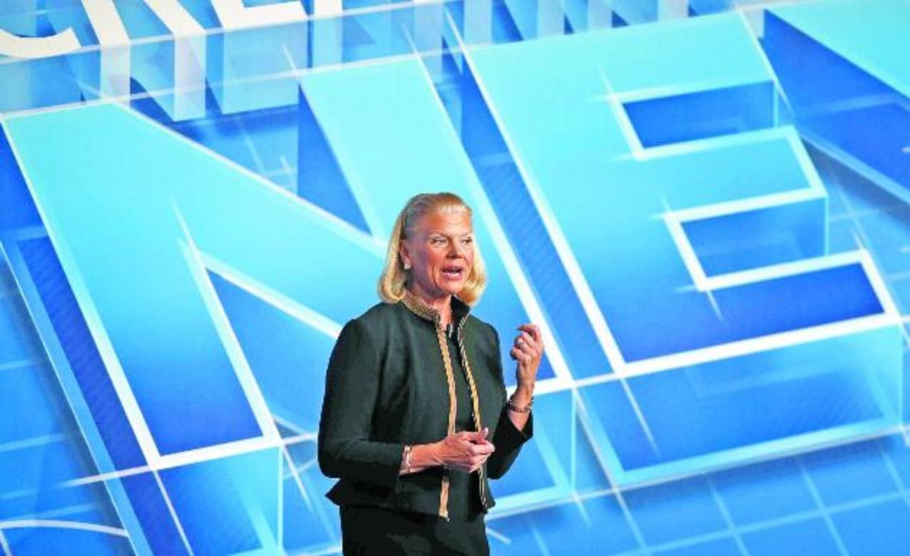 La presidenta de IBM, Virginia Rometty, durante la conferencia que impartió ayer en Barcelona. Foto EDH