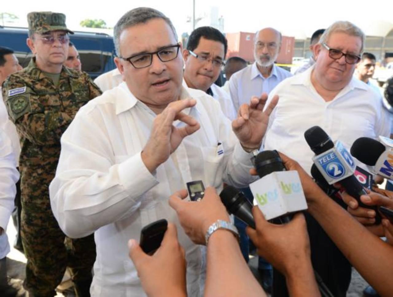 Presidente Funes estará hospitalizado tres días tras operación