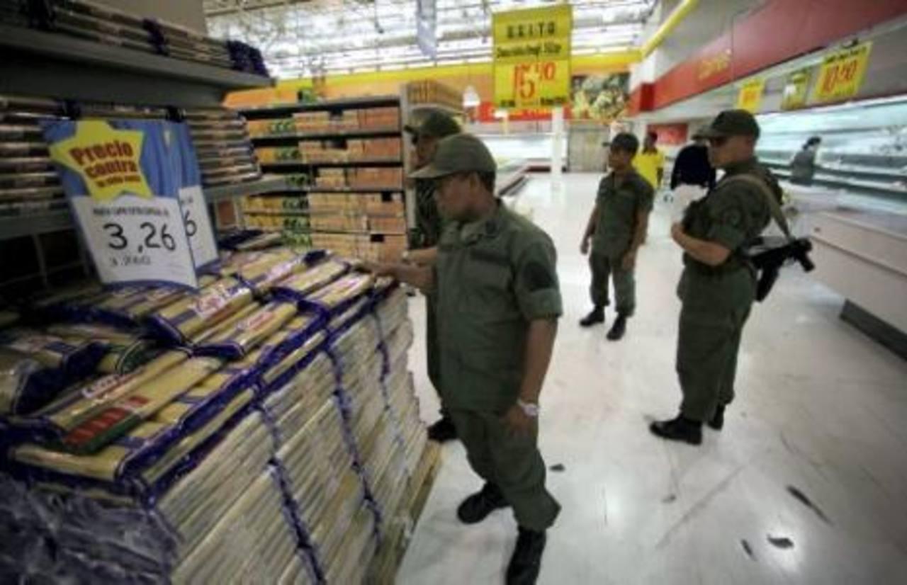 La Ley de Precios Justos fue aprobada vía habilitante. Establece una ganancia máxima del 30 % para los comercios. El presidente Nicolás Maduro advirtió, ayer, que iniciaría su aplicación.