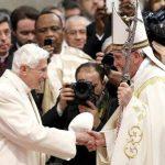 Papa crea 19 cardenales; Benedicto XVI lo acompaña