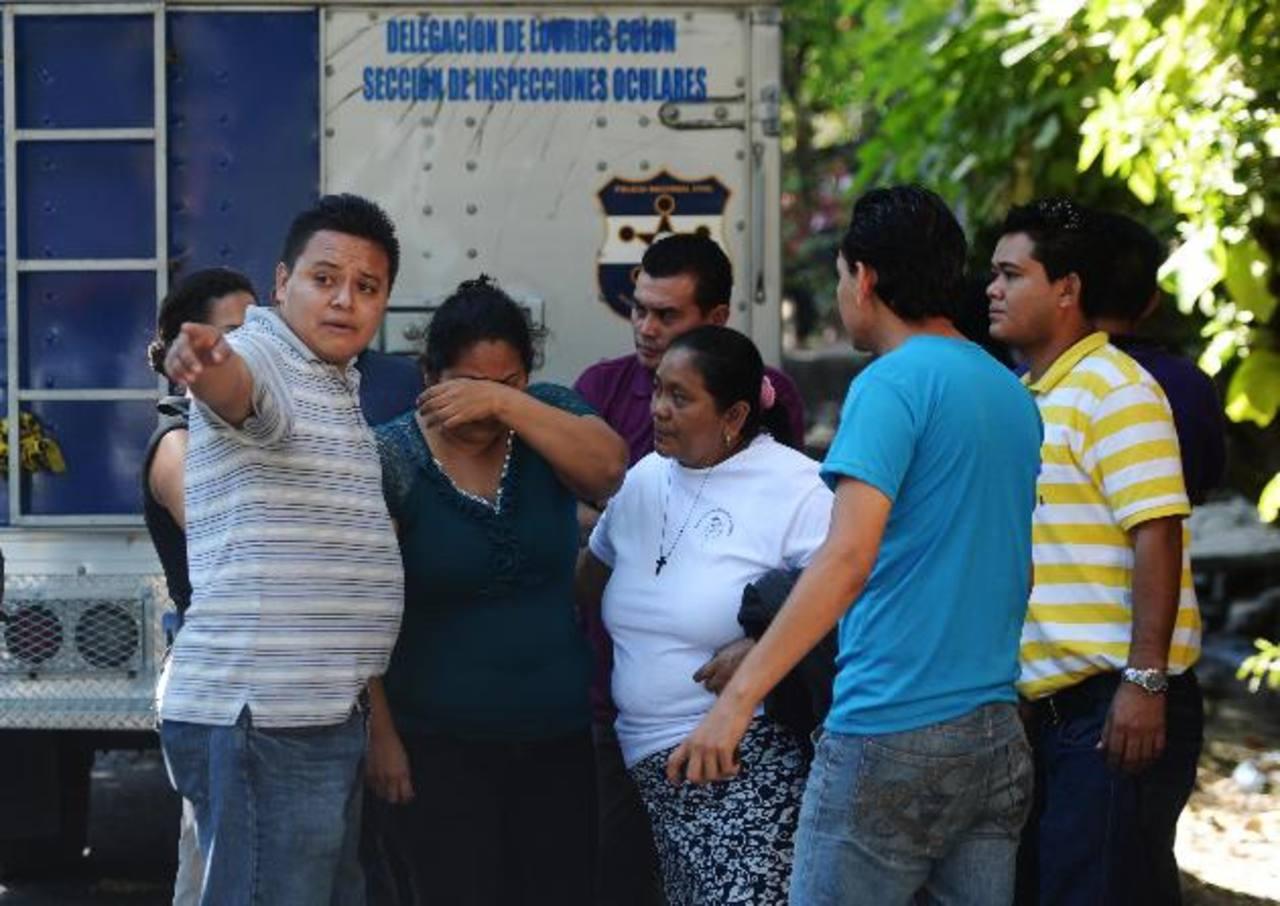 Familiares de Bryan Osvaldo dijeron que el joven estudiante no estaba vinculado a grupos de pandillas. Foto EDH / Marlon h.