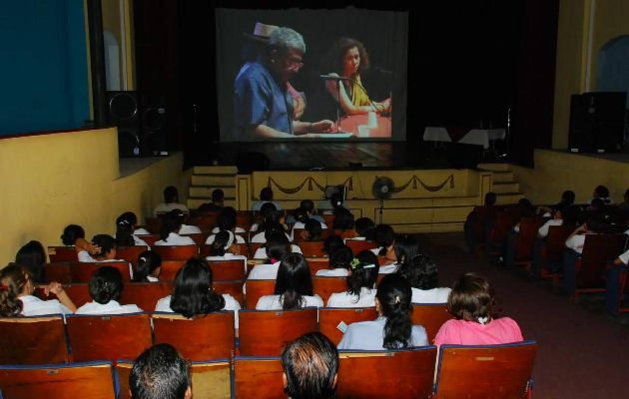 Las presentaciones serán durante todo el día en el teatro migueleño y la entrada es gratis a todo publico. EDH / ARCHIVO