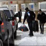 Cientos de vuelos han sido cancelados por ola de frío.