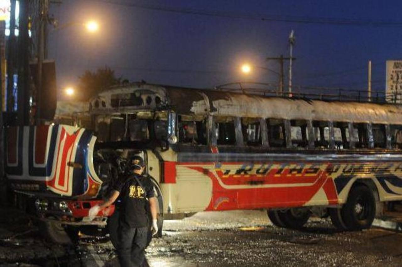 """El hecho en el que murieron nueve pasajeros de un autobús de """"Rutas Quetzal"""" ocurrió en enero de 2011. Foto/ Archivo"""