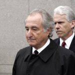 Bernard Madoff fue arrestado en diciembre de 2008, tras revelar la estafa a sus hijos Andrew y Mark. Foto EDH / archivo