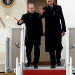 El mandatario francés, Francois Hollande (izq.), y el presidente de EE. UU. Barack Obama.