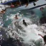 Video: Dramático rescate de ocupantes al hundirse barco en Tailandia