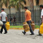 En febrero, los salvadoreños pagarán 68 centavos más por el cilindro de gas de 25 libras. Foto EDH / archivo