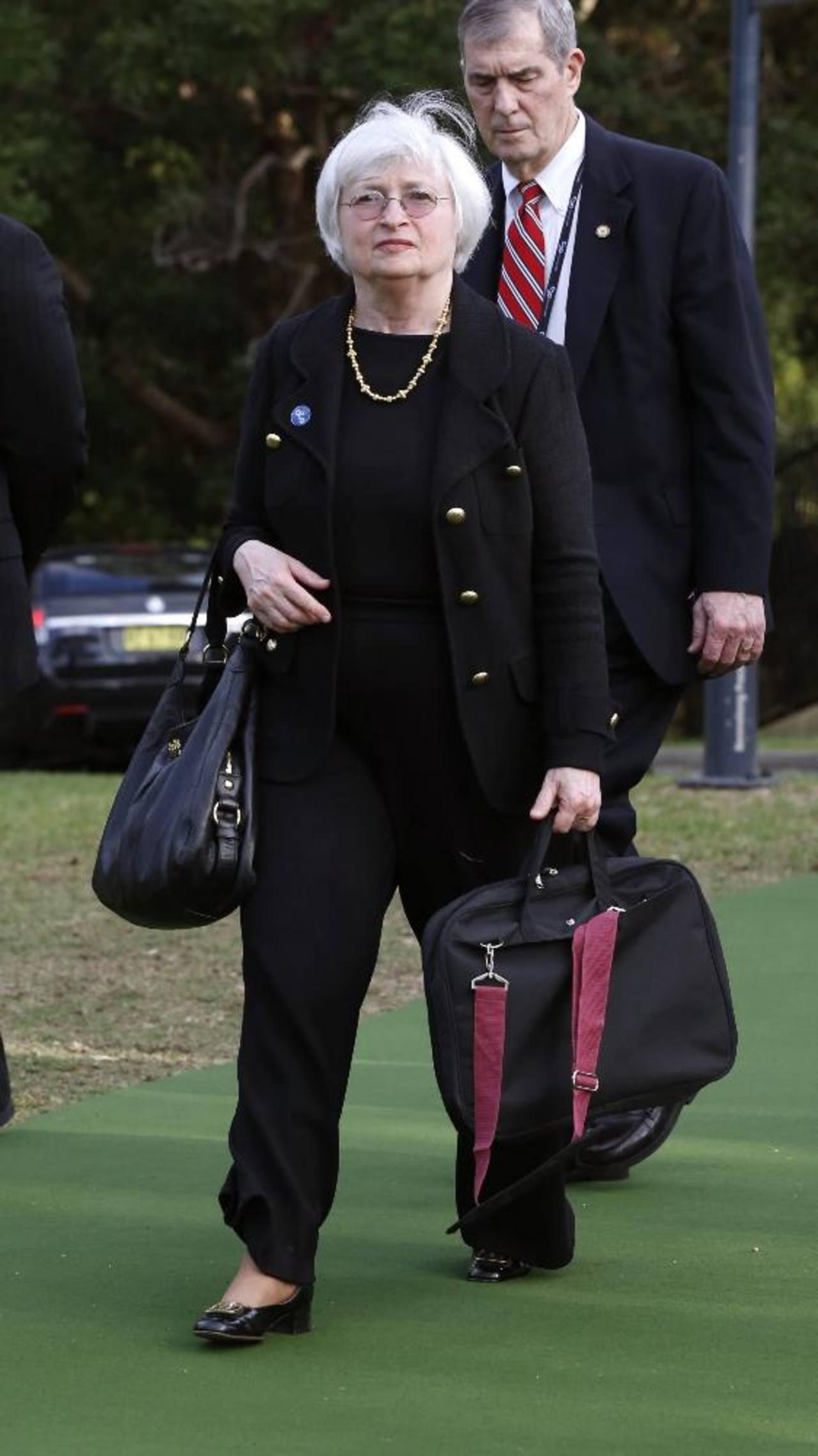 Janet Yellen, presidenta de la Fed, apunta a un 2 por ciento de inflación y desea que el desempleo caiga a alrededor del 5,5 por ciento.