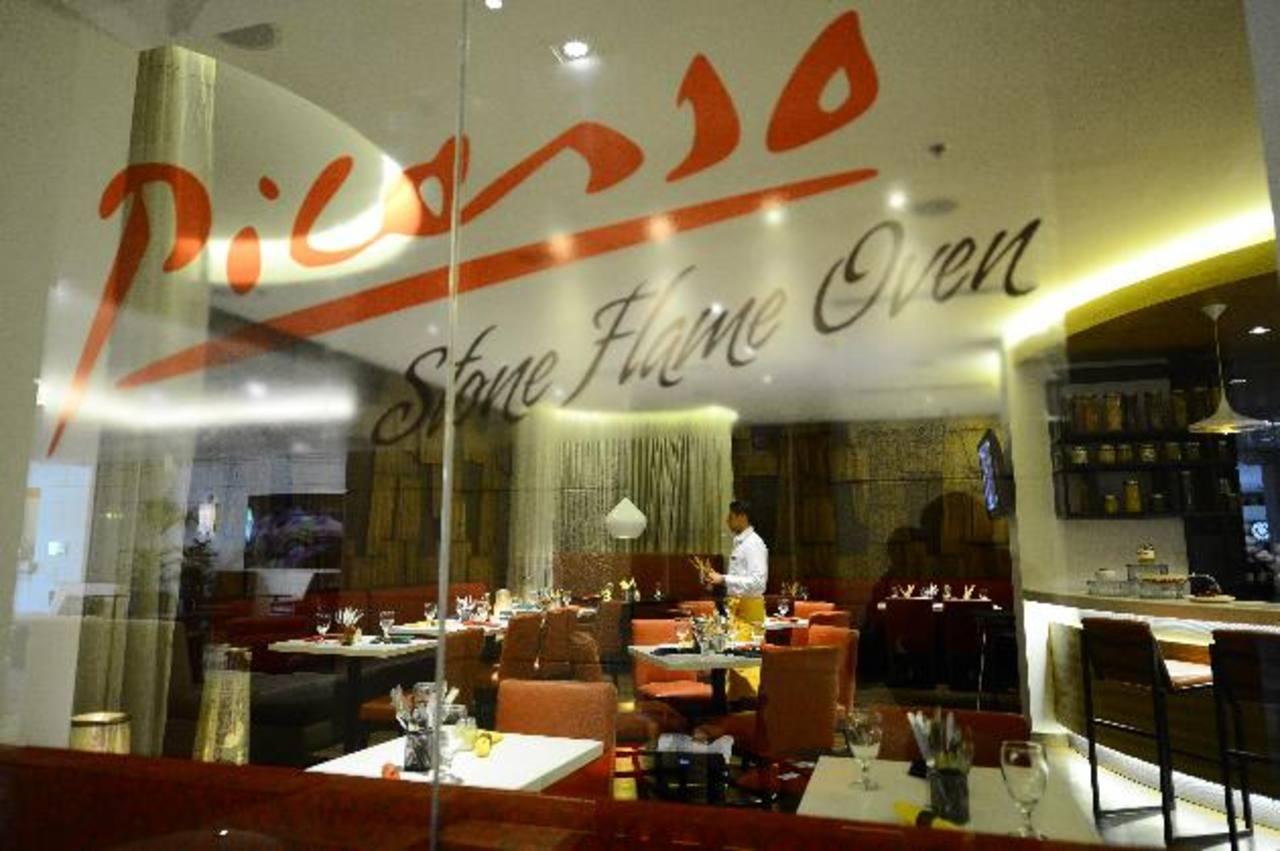El exclusivo restaurante Picasso, en el Real InterContinental, ofrece un menú de platillos del Mediterráneo, preparados con productos importados.