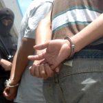 Arrestan a tres por hurto en una escuela