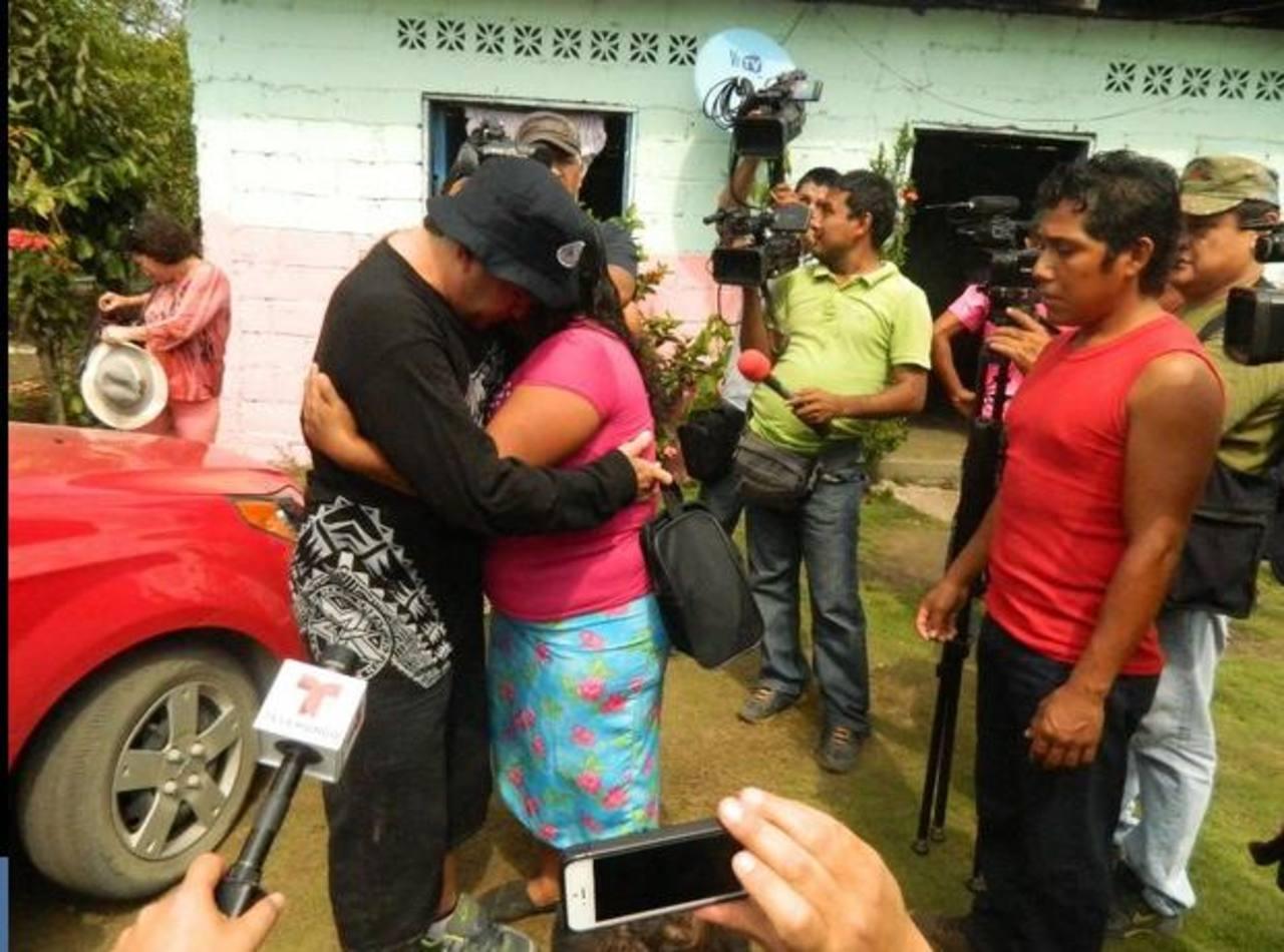 Salvador Alvarenga y Roselia Rosas, en el reencuentro en México. EDH/jornada.unam.mx